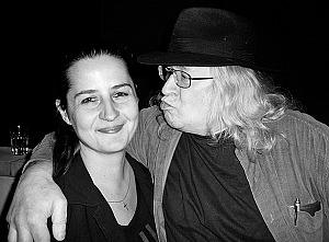 "Monika Elšíková, hier zusammen mit Magor (Initiator der ""Plastic People of the Universe"")"